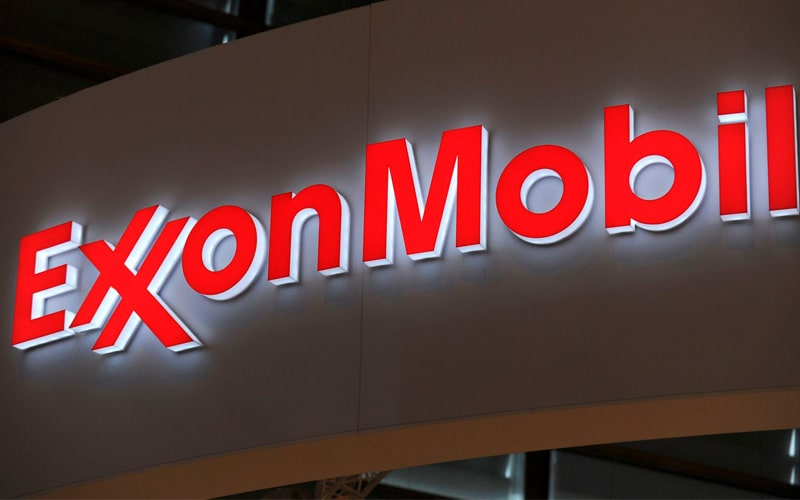Exxon Mobil Plunges on WSJ Reports of SEC Investigation