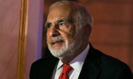 Icahn Reduces Stake in Herbalife to about 6%, Gives up Board Seats