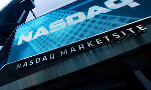 Nasdaq 100 Could Plunge 20% If Treasury Yields Reach 2%, Analysts Warn