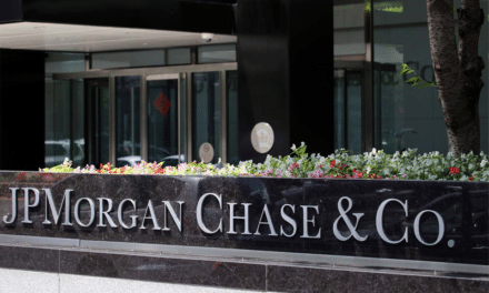 Why JPMorgan Chase Has Been Stockpiling Half Trillion in Cash