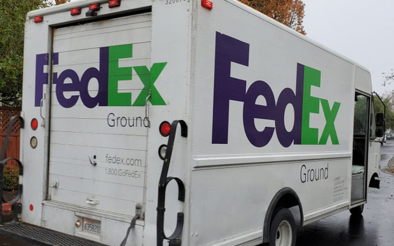 FedEx Cuts Guidance as Labor Shortages Hit Earnings