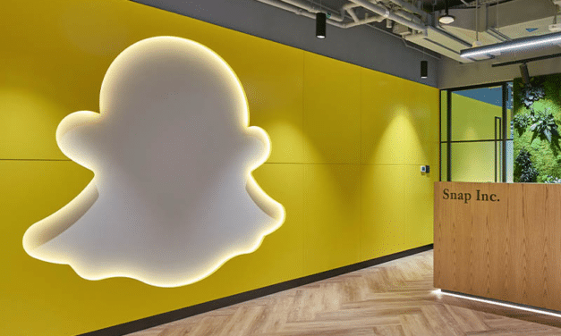 SNAP Shares Plunge in Premarket After Q3 Earnings Report on iOS Ad Tracking Changes
